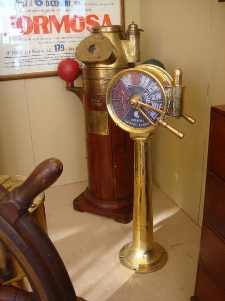 Arredamenti e antiquariato navale il corsaro for Marcato arredamenti